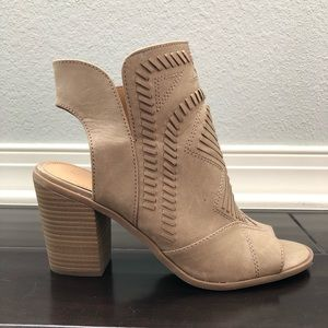 Universal Thread Shoes - Universal Thread Edwina Boots Size 8